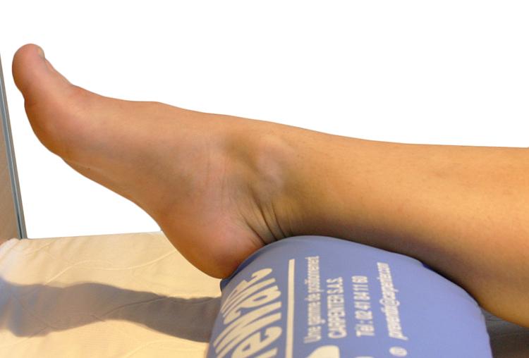 Нога на валике