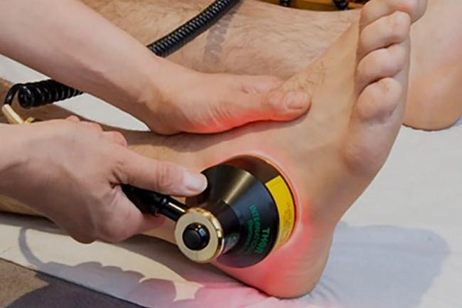 Лечение лазером ноги